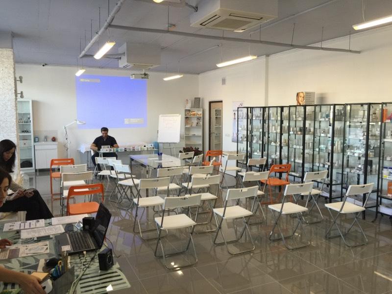 Обучающий зал на 64 места